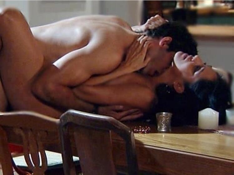 красивый секс на столе картинки вашей территории желательно